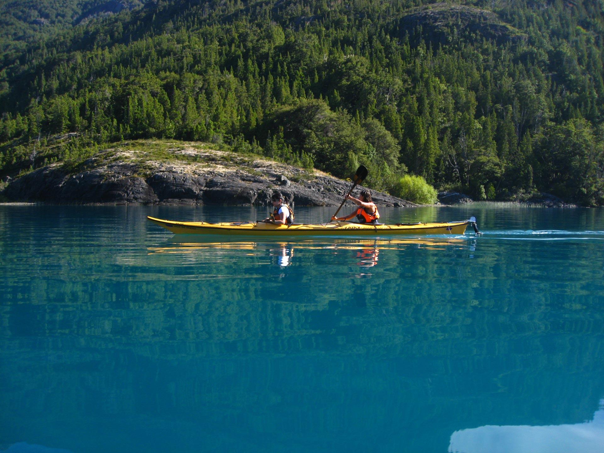 limite-con-chile-paseos-en-kayak-de-travesia
